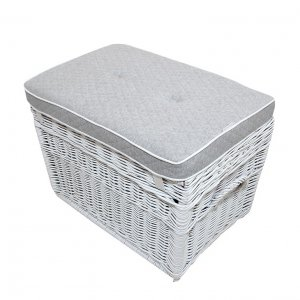Wicker trunk quilted grey pillow