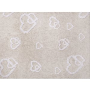 Beige rug with hearts
