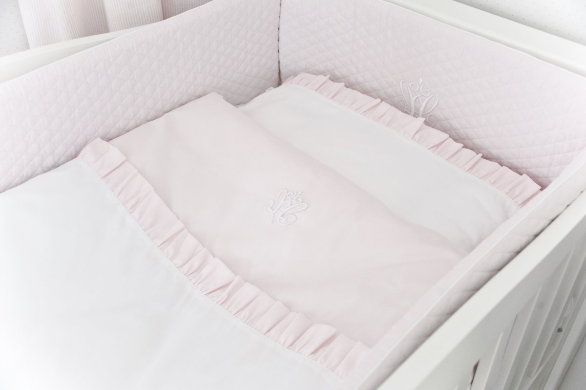 Baby Pink Cot Bumper With Emblem Cot Bumpers Sleep Shop On Line Caramella